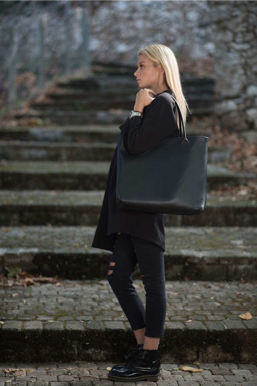 HANDMADE LEATHER BLACK SHOPPING BAG