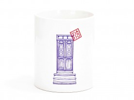 THE 'GREEK PORTA' MUG IN WHITE
