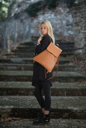 HANDMADE LEATHER COGNAC BACKPACK