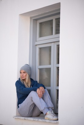 WOMEN'S CLOUD GREY NORMAL FIT JOGGERS